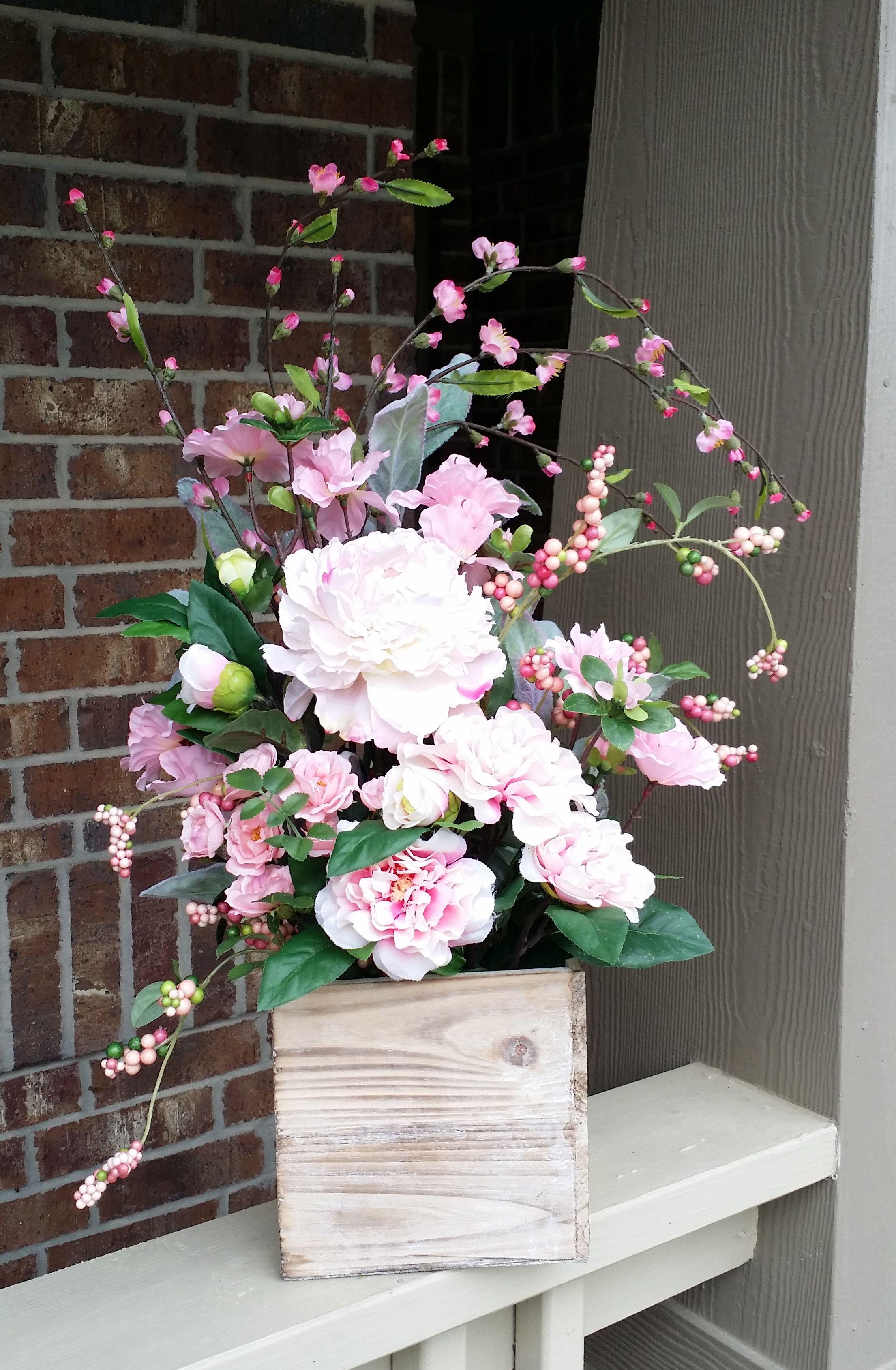 Spring floral home house designer today spring floral pink floral in rustic wood box spring home decor rh pinterest com spring floral comforter spring flower hotel mightylinksfo