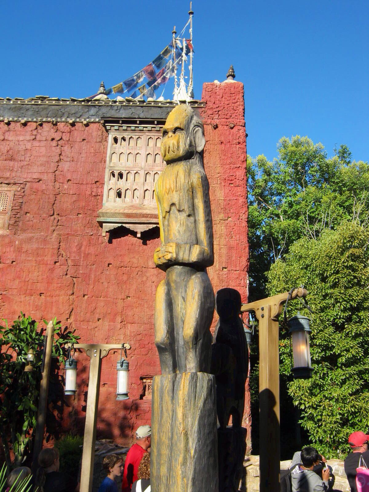 Expedition everest statues animal kingdom disneyland