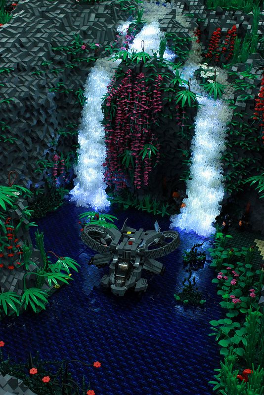 itlego:    Avatar / Scorpion Gunship  Avatar Waterfall: Jörg Kempe / Scorpion Gunship: Andreas    I mean, WOW. Like, WOW. -MBG