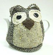 Like owls? Saw this hand knitted Brown Owl Tea Cozy is up for sale.>>>>yes I do like owls, and tea so it's perfect!!