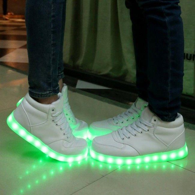 Schuhe mit leuchtsohle name