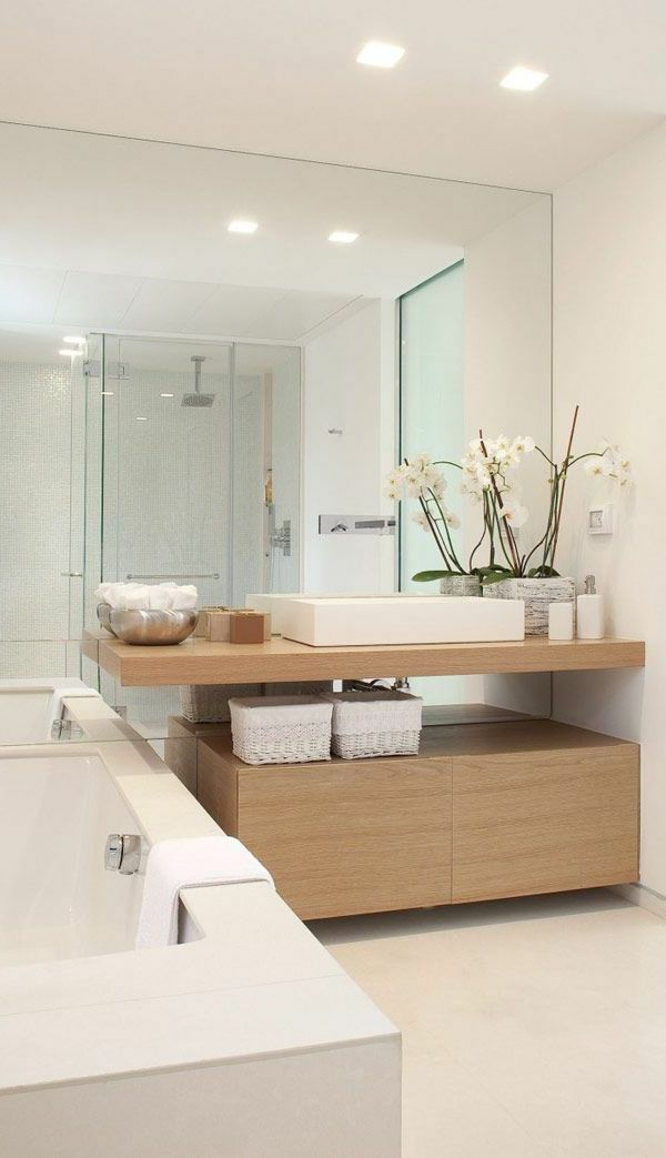 Erstaunliches Bad Mit Großem Spiegel | Ideen Rund Ums Haus