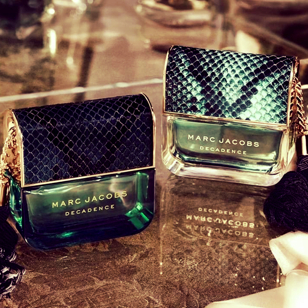 Divine Decadence da Marc Jacobs é a mais recente fragrância da família Decadence.  Com um design cintilante, transborda luxo e elegância!  #marcjacobs #marcjacobsfragrances #divinedecadence #perfume #fragrance #parfum #novidades #new