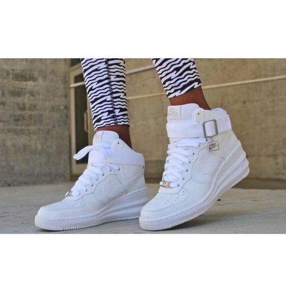 detailed pictures 6b500 36523 Women's Nike Lunar Force 1 Get high heel height without high heel  discomfort with the Nike Lunar Force 1 Sky High. Nike Air unit and Lunarlon  foam midsole ...