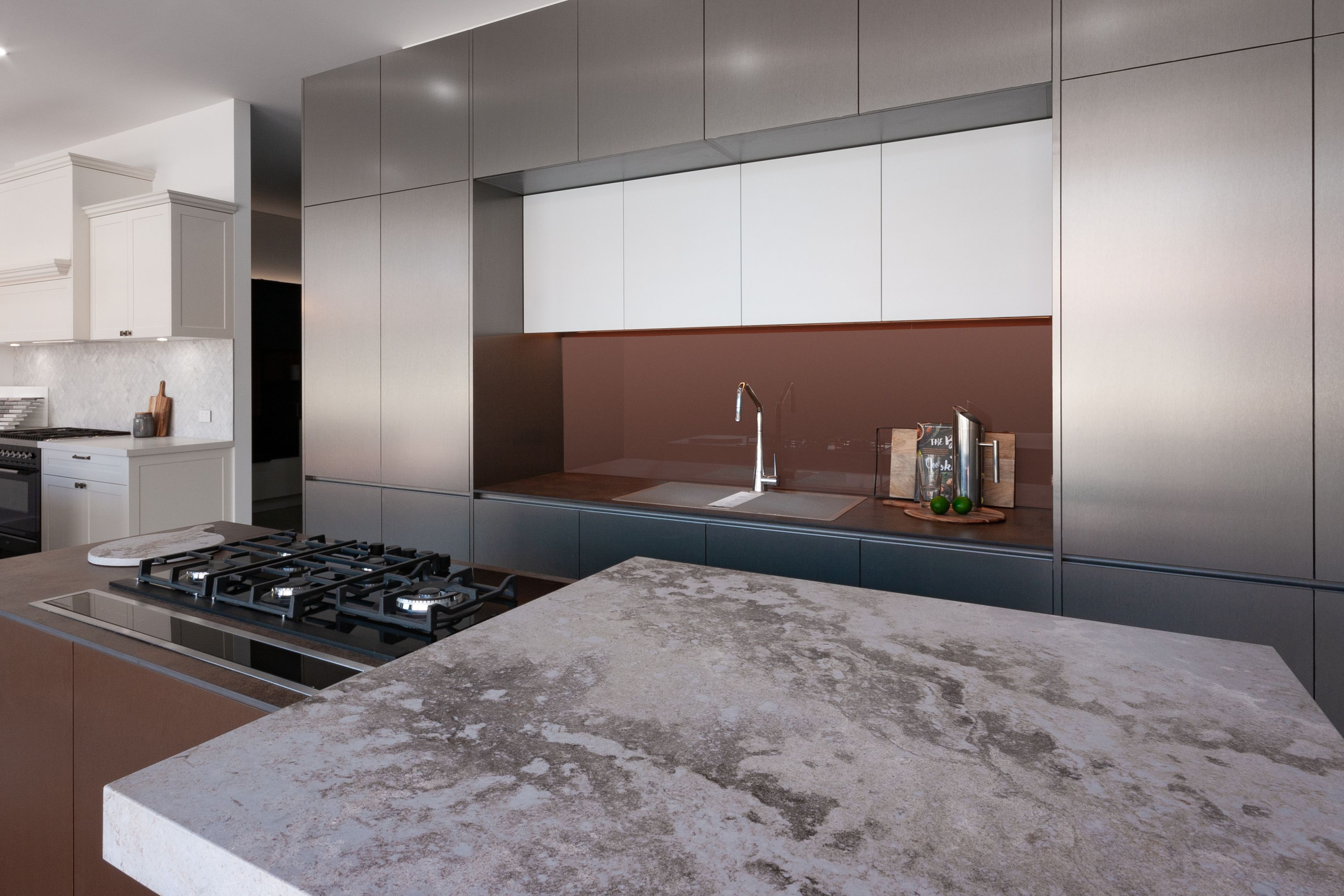 Premier Kitchens Showcase The Bold Yet Sophisticated Industrial Aesthetic Of Caesarstone Excava Beautifully C Kitchen Design Caesarstone Kitchen Caesarstone