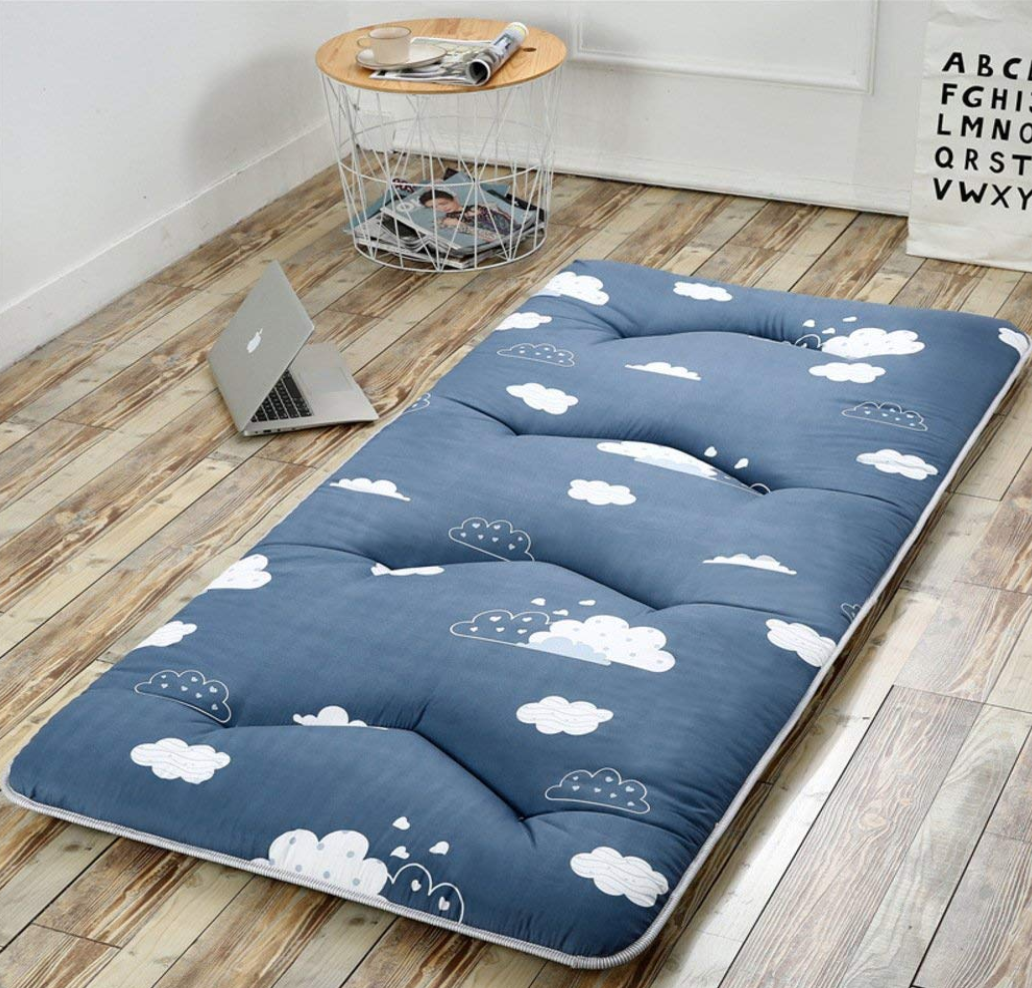 Simple Japanese futon mattress and bed for your bedroom