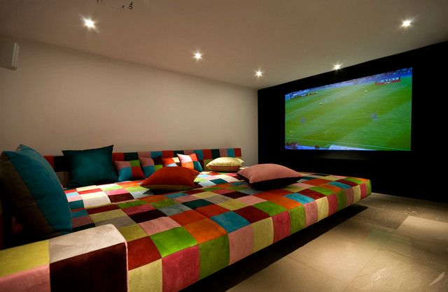 luxurious minecraft bedroom ideas for couples: colorful plaid bed