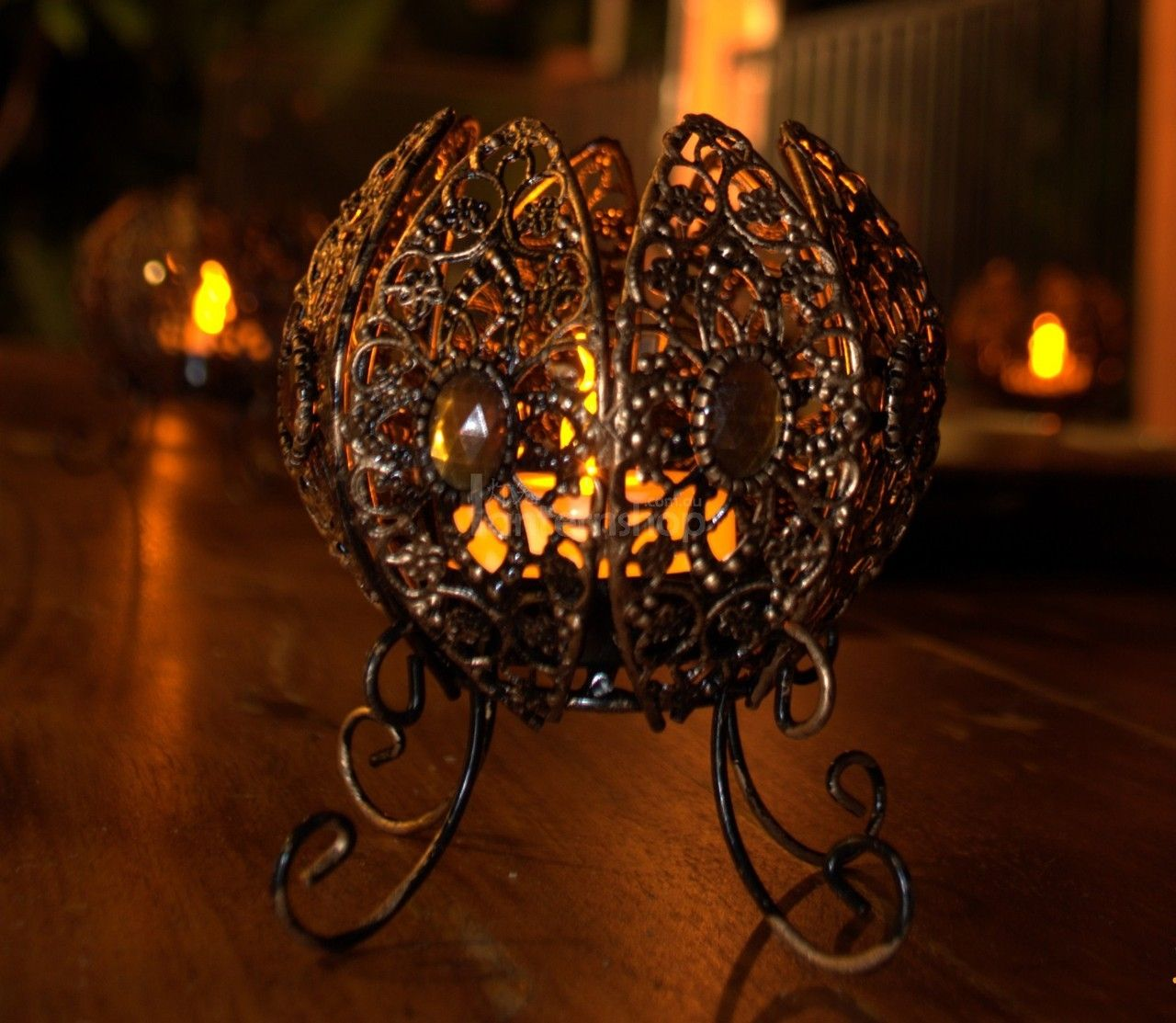 Party decoration ideas moroccan metal lantern - Moroccan Table Lantern Would Look Amazing For A Classy Halloween Decoration Even