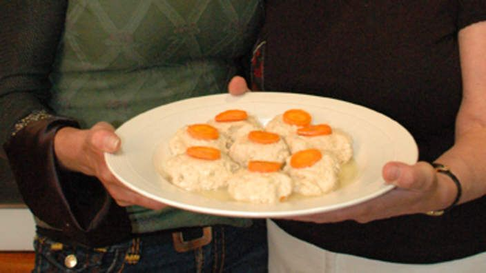 Food Safari S Gefilte Fish Recipe Food Recipes Poached Fish Recipes Traditional Stuffing Recipe