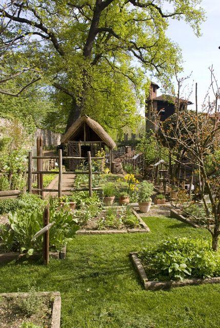 Ein Jahr im mittelalterlichen Garten von Turin (3. Teil) - Il Giardino dei Semplici - ... #howtogrowvegetables