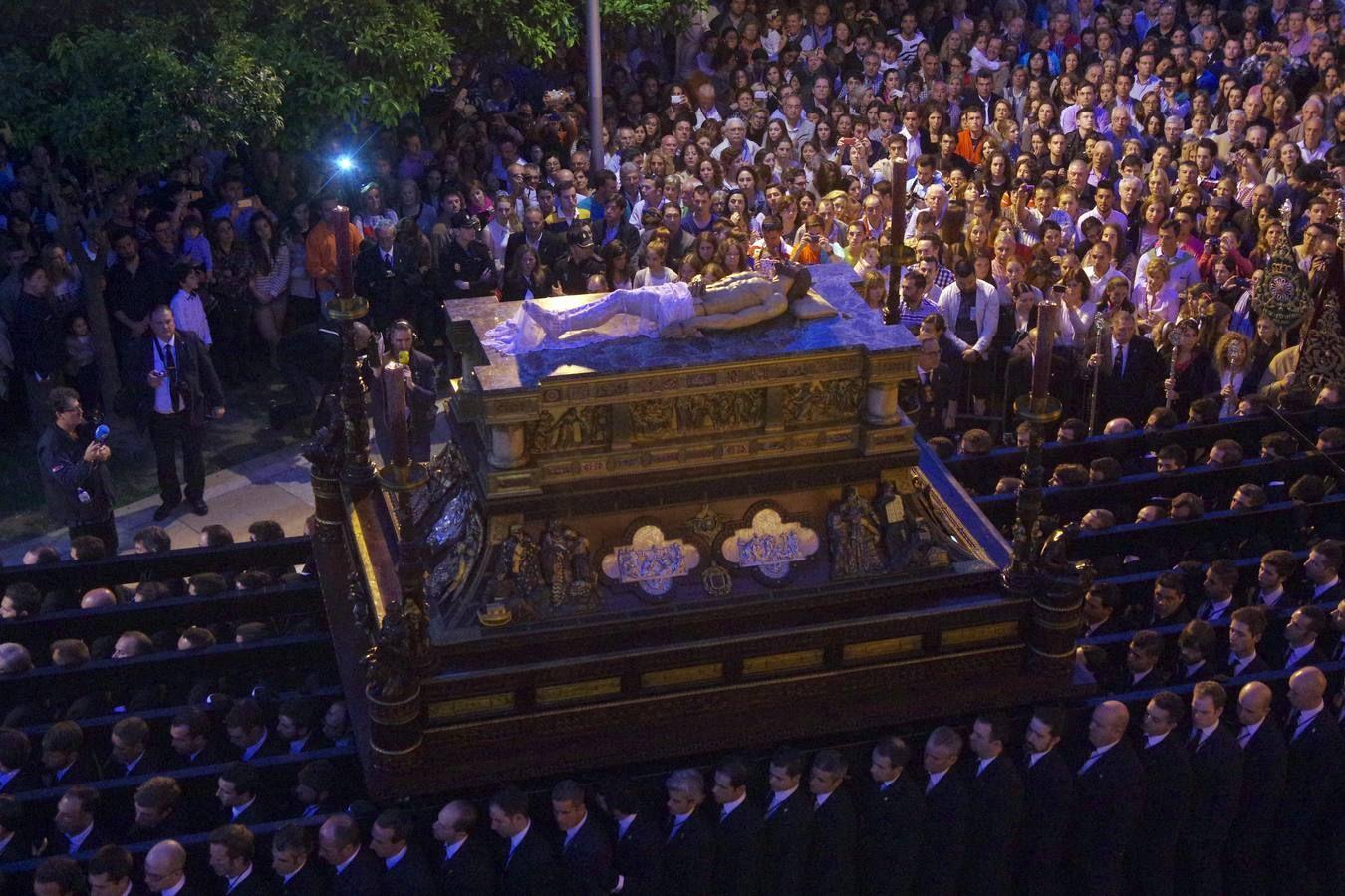 Fotogalería: Semana Santa 2014, Imágenes del Sepulcro en Málaga, España | por Eduardo Nieto || en diariosur.es