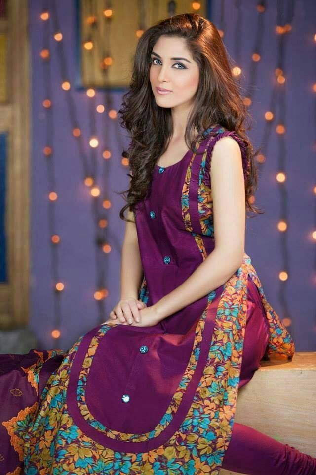 f251655aa76f 17 New Pakistani Dresses Designs for Girls 2017 We introduce you Pakistani  Eid dresses accumulation 2017 for young ladies and children.