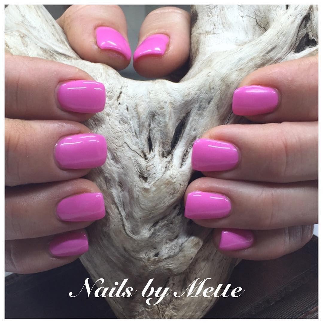 Pink attitude#pronails #norpronails #loveyourhands #pinkattitude #nailgasm #nailporn #nailaddict #nailsaloon #naildesigner #sørlandet #søgne #tånevig #mandal #kristiansand #norway #nails_by_mette #