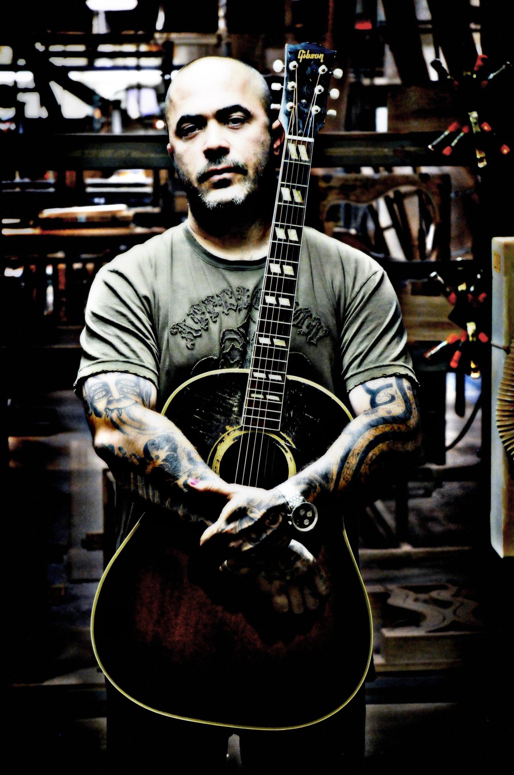 aaron lewis staind guitars in 2018 music acoustic guitar