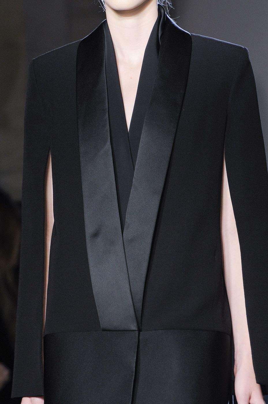Sleek black cape blazer, chic fashion details // Victoria Beckham Fall 2013