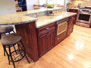 Buffalo Grove Kitchen With 2 Tier Island Traditional Kitchen Chicago Trilogy Ki Kitchen Island Countertop Kitchen Island With Sink New Kitchen Cabinets