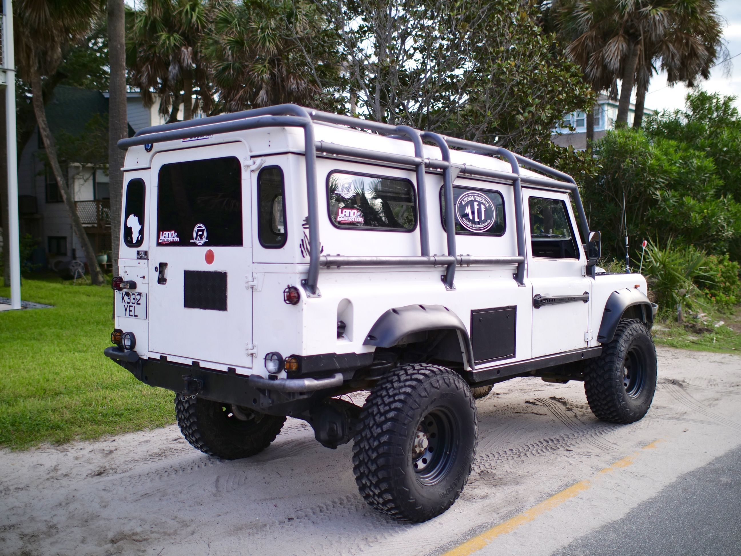 Lifted Land Rovers with Off-road Mods in 2020 | Land rover ...