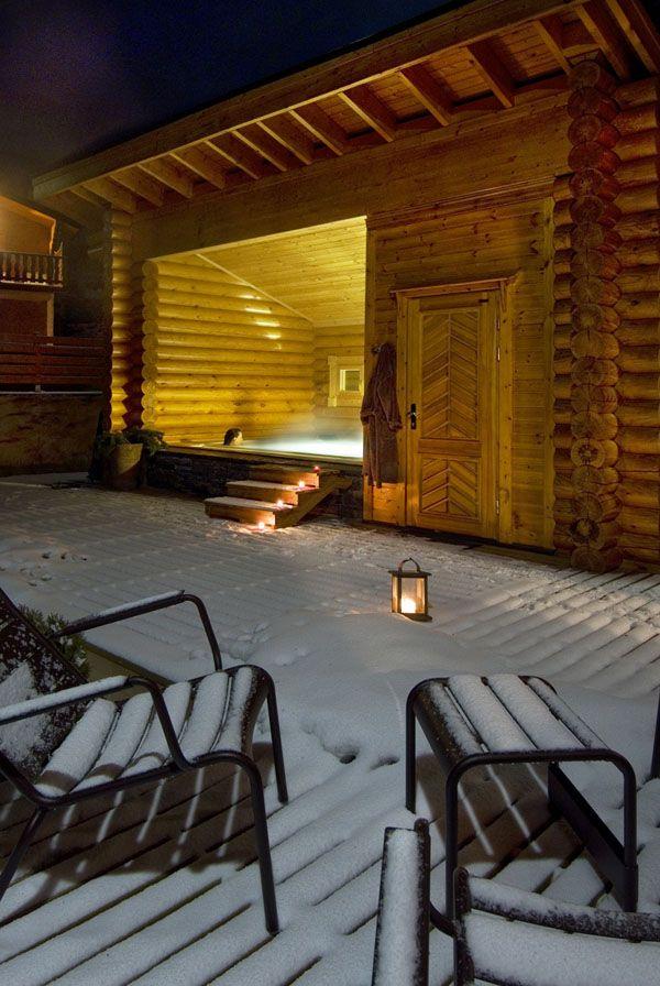 Intérieur en rondins de bois façon contemporain Chalet design