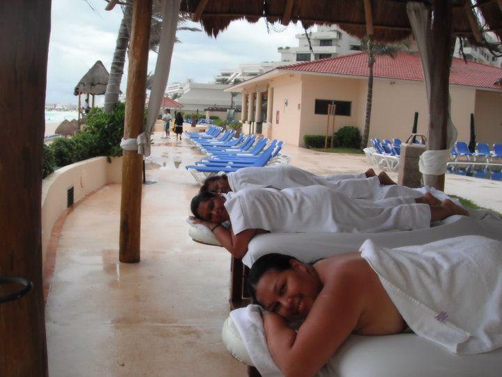 Cancún. Masaje oyendo el mar