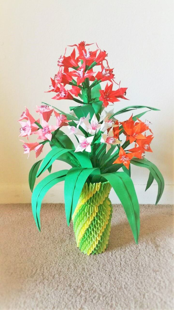 3d origami flower vase centerpice wedding decor home decor 3d origami flower vase centerpice wedding decor home decor paper flowers paper lilies flower vase by beigepapercrafts on etsy mightylinksfo