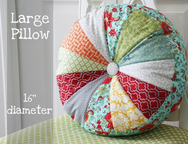 Sprocket Pillows Tutorial | Patchwork | Pinterest | Runde kissen ...
