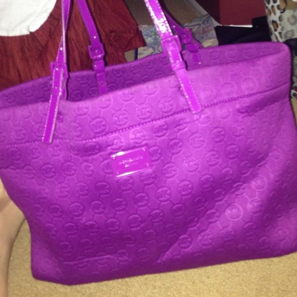 a48798779562 Michael Kors Neoprene tote! Perfect bag! Just not my style! Please make an  offer Michael Kors Bags Totes