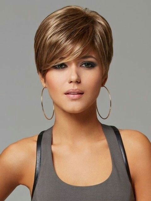 Chatain clair Cheveux courts chatain, Cheveux courts