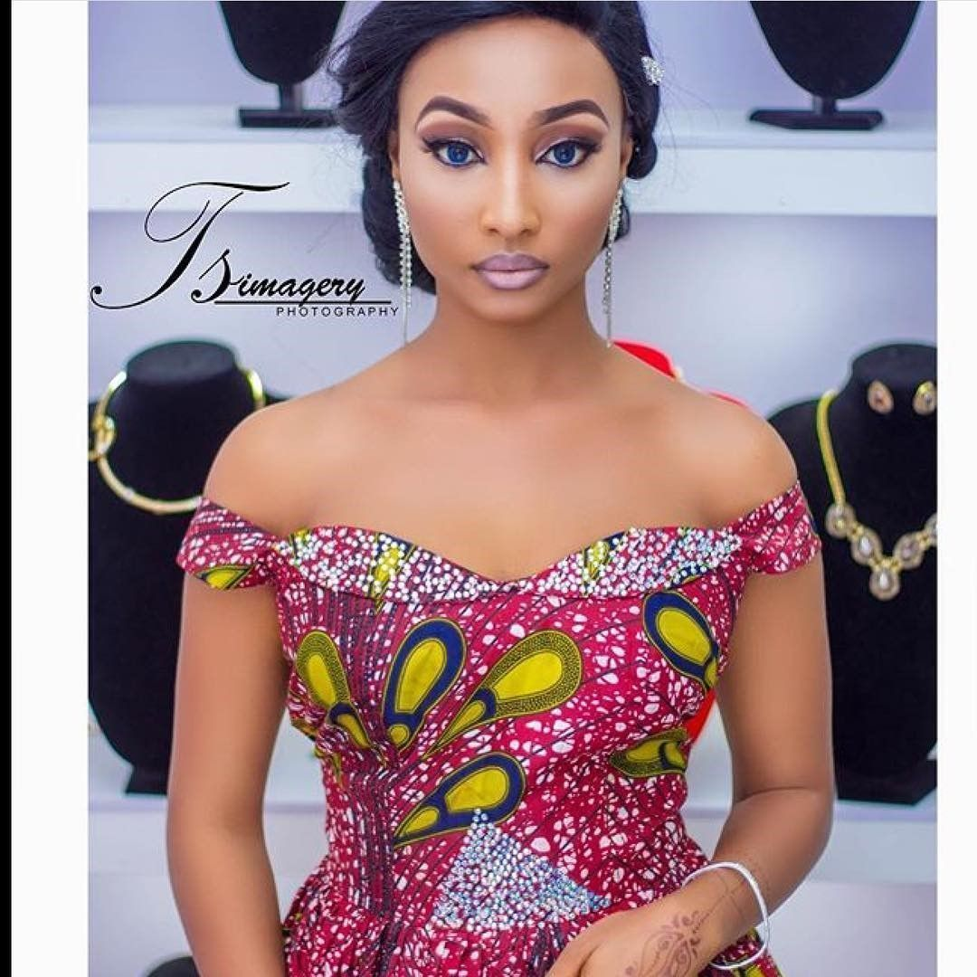 There are a lot of ways to acquire ourselves beautified taking into consideration an Asoebi style, Even if you are thinking of what to create and execute later than an latest asoebi styles. Asoebi style|aso ebi style|Nigerian Yoruba dress styles|latest asoebi styles} for weekends come in many patterns and designs. #nigeriandressstyles There are a lot of ways to acquire ourselves beautified taking into consideration an Asoebi style, Even if you are thinking of what to create and execute later tha #nigeriandressstyles