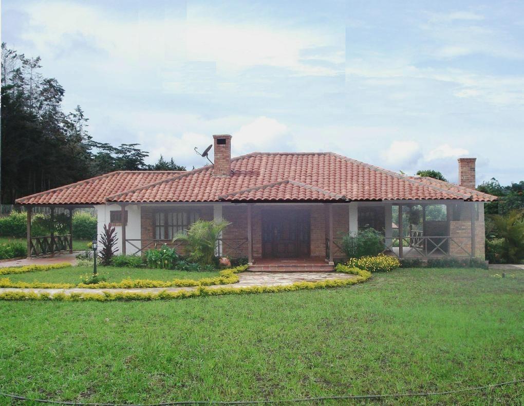 Casas de campo en colombia construida cosas de casa for Disenos de casas chicas