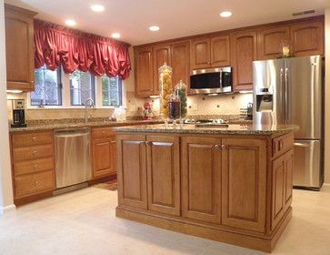 10 X 10 Kitchen Design Ideas Pictures Remodel And Decor Kitchen Layout 10x10 Kitchen Kitchen Remodel Small