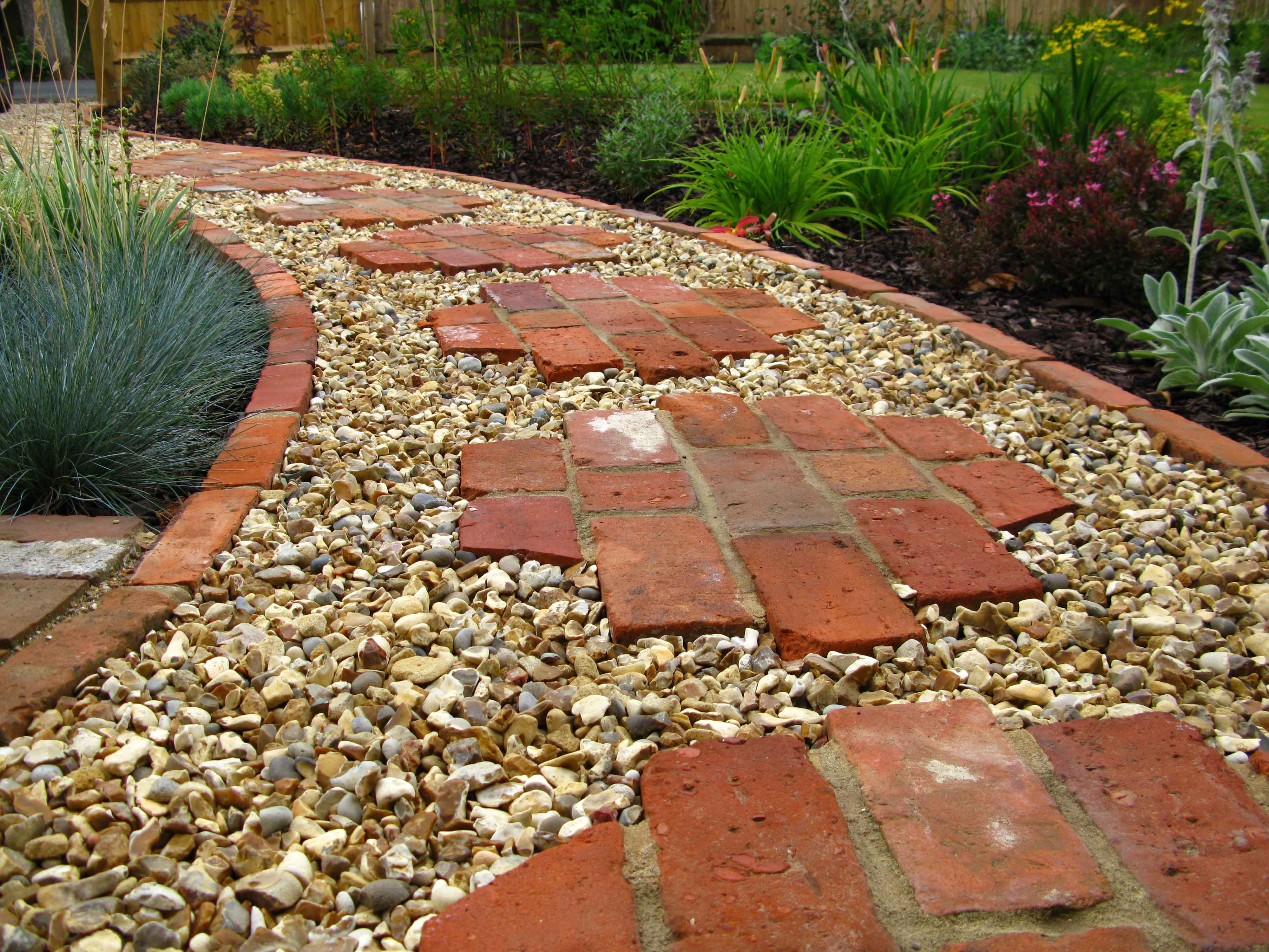 Rock Path With Brick Stepping Stones Do You Have Old Bricks Laying Around Here S A Really Great Creative Idea For Garden