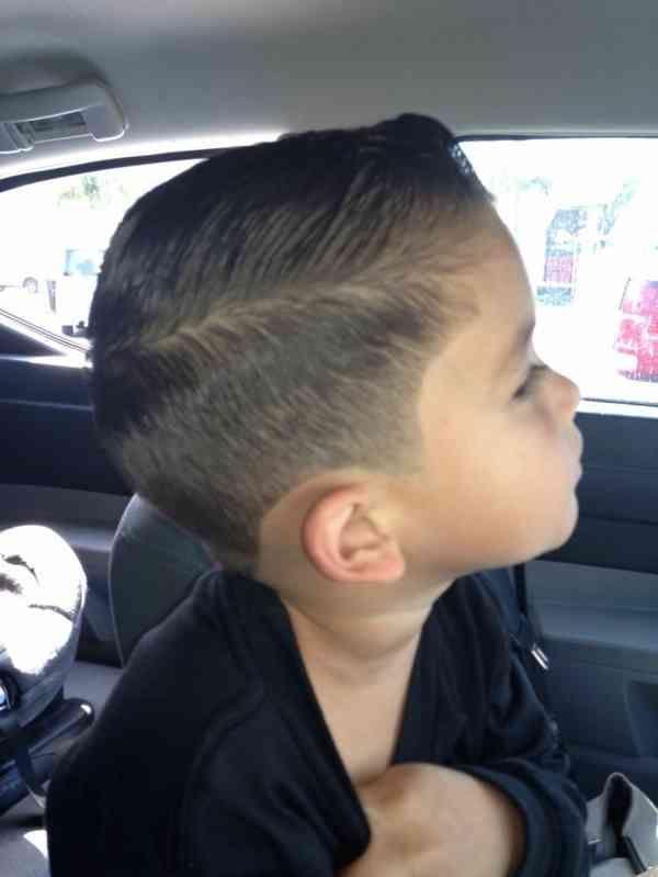 31 Gut Aussehend Modern Of Jungen Frisur Kurz Aussehend Frisur Jungen Kurz Modern Jungs Frisuren Jungen Haarschnitt Baby Frisur