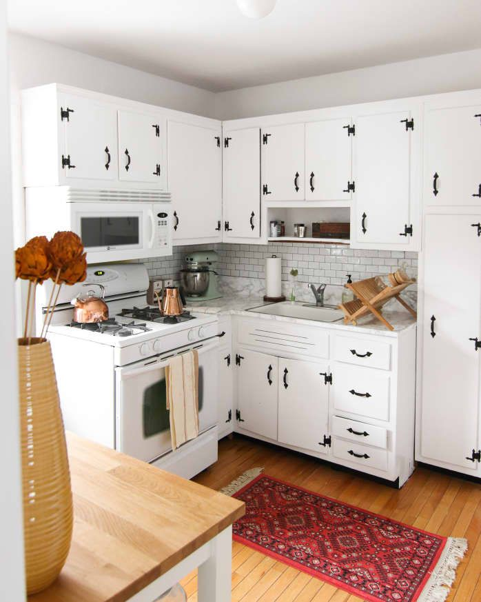 before and after the secret to successfully painting old kitchen cabinets old kitchen on kitchen cabinets painted before and after id=25597