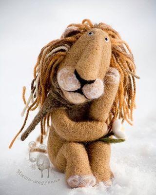 Я недавно льва видала, подошла к нему, сказала, что читала ...