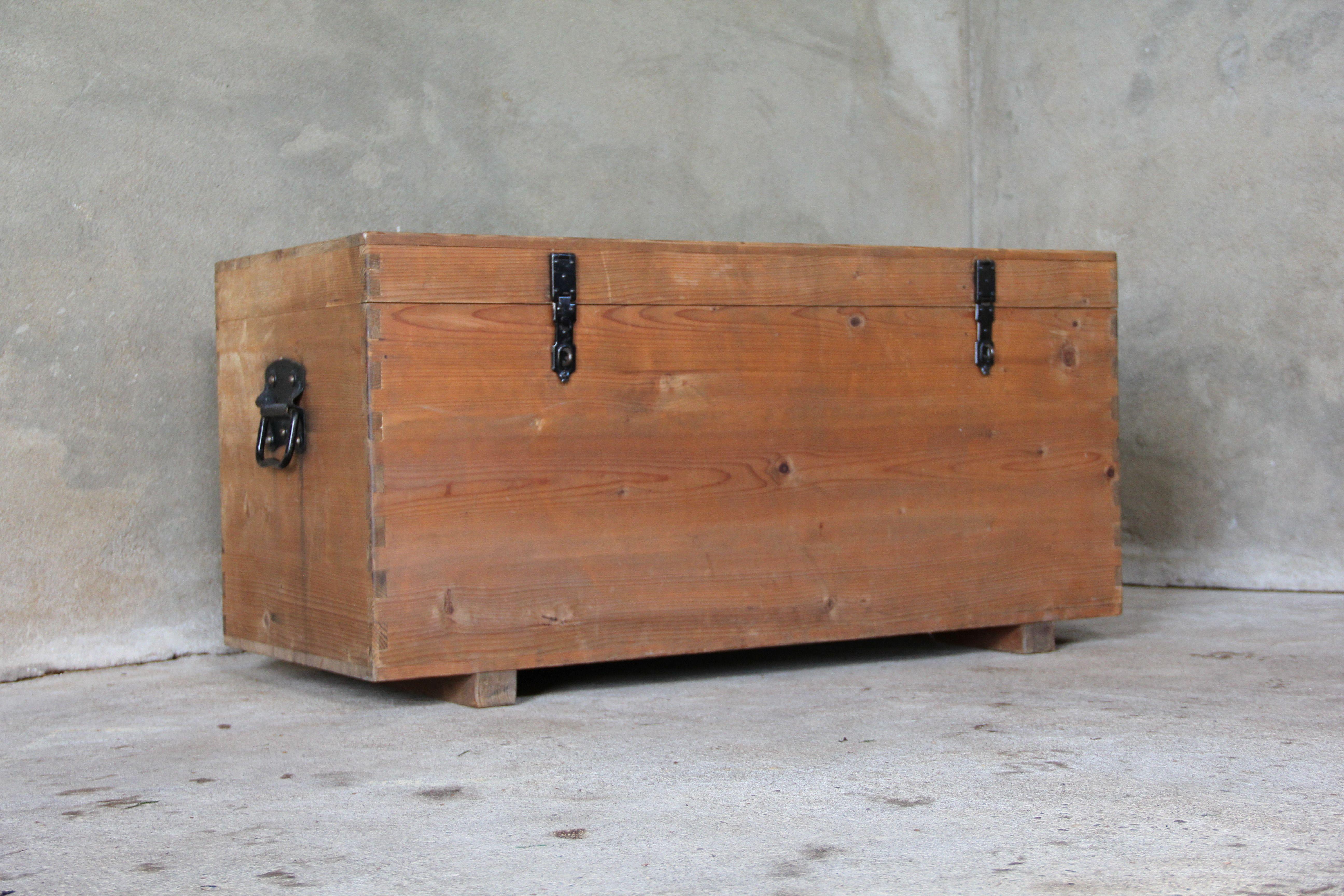 Massief Houten Dekenkist.Oud Houten Dekenkist Inndoors Meubelen En Interieur