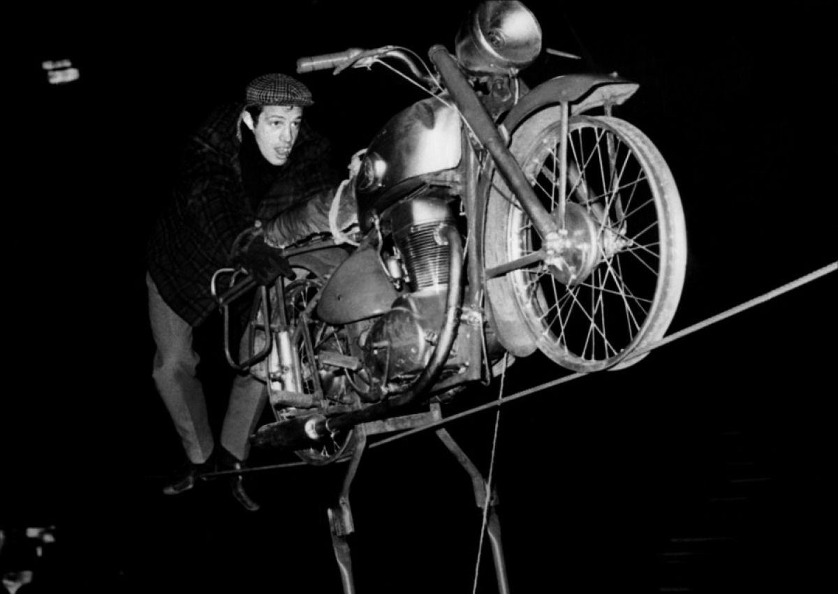 Ai suoi debutti come stunt-man. Anni '50