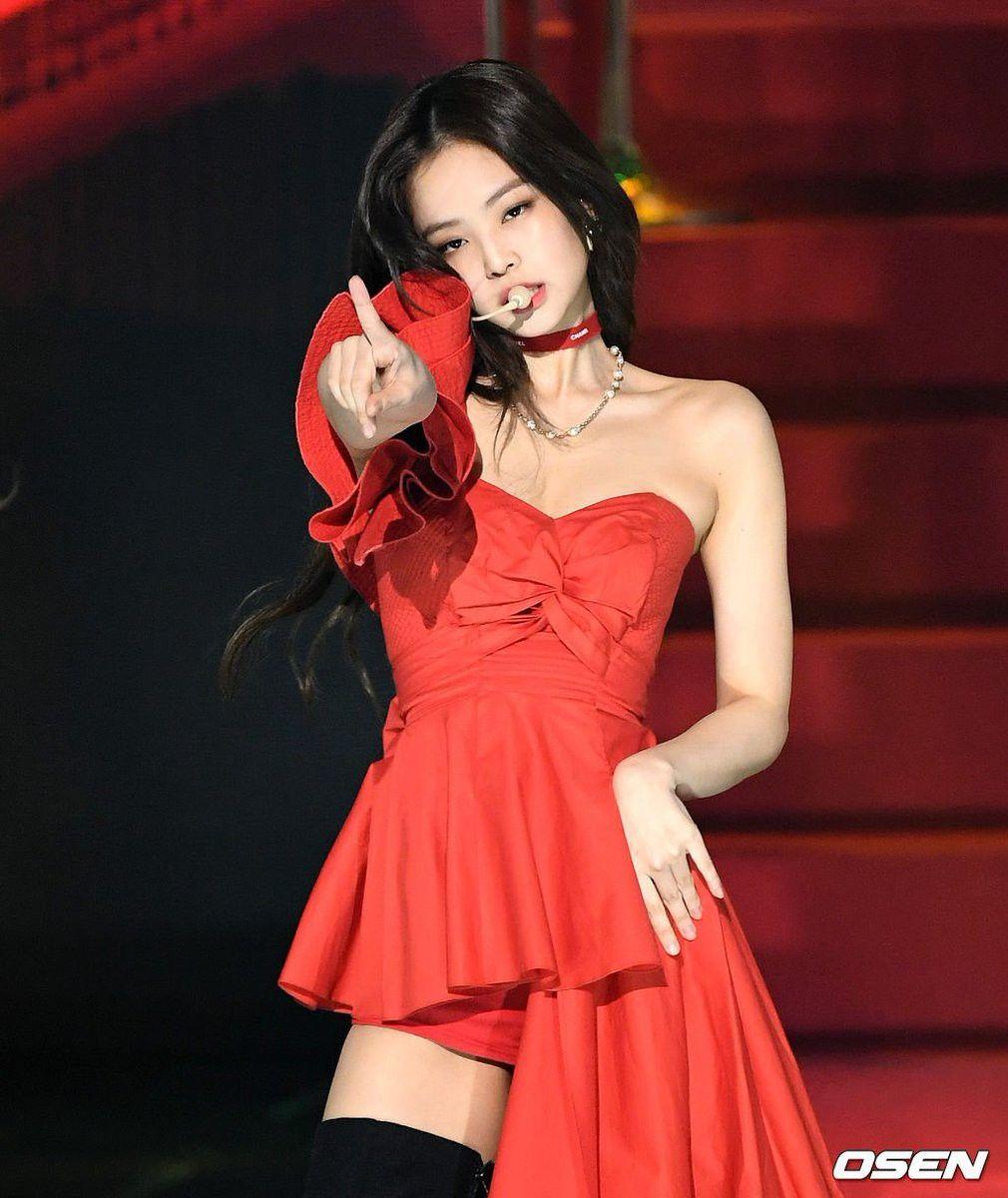 Hậu liên hoàn scandal vẫn được lòng công chúng, Jennie thẳng tay d