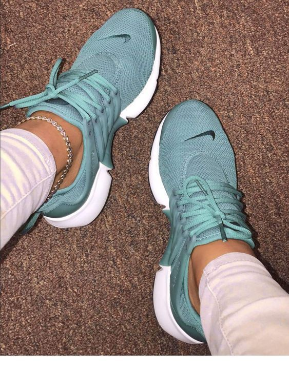 Blue sneakers and accessory | Inspiring Ladies | Zapatos ...