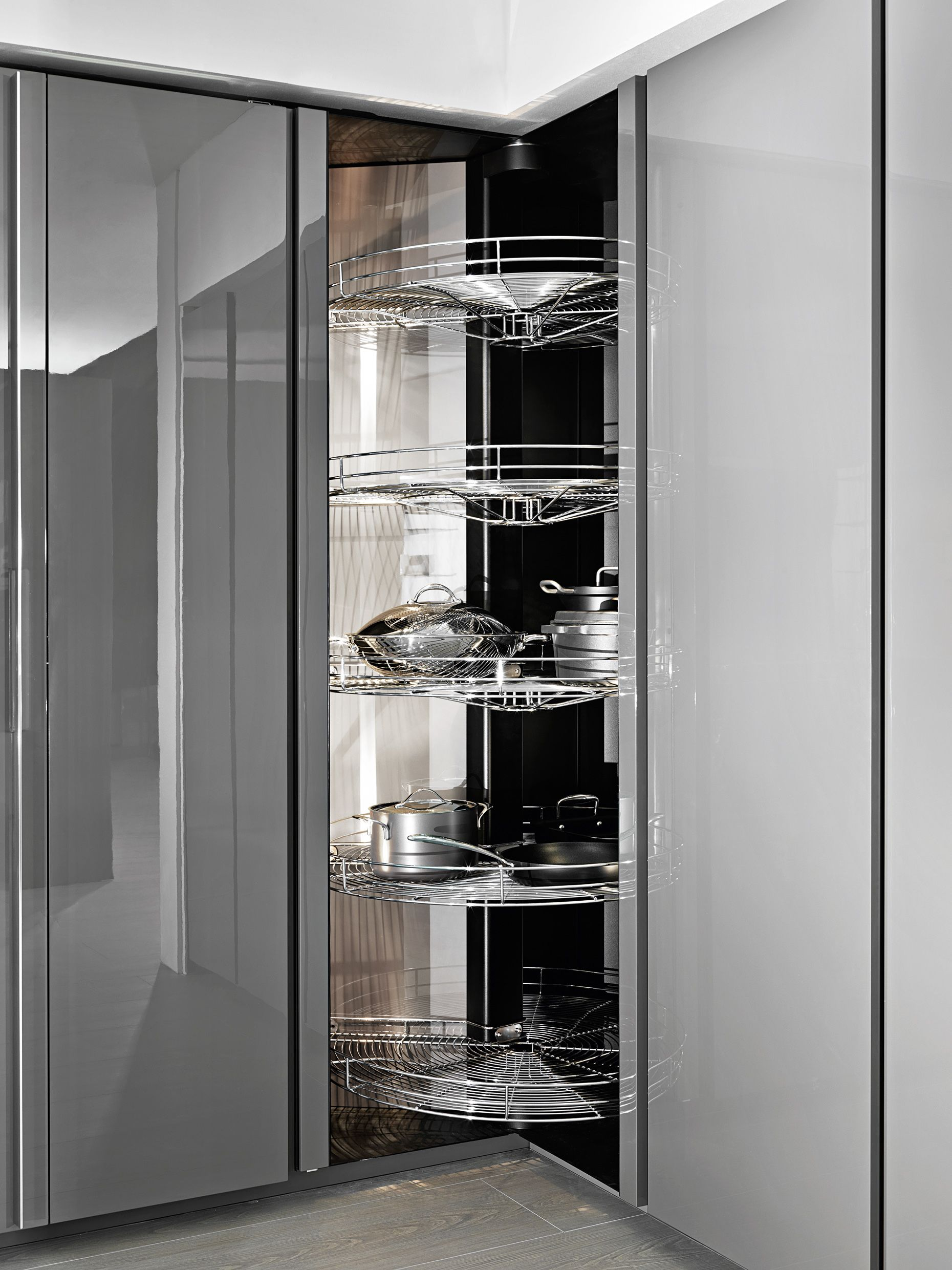 The Revolving Column Is A Pantry For Corner Solutions With An Incredible Storage Capacity Due T Kitchen Columns Modern Kitchen Interiors Kitchen Cabinet Design