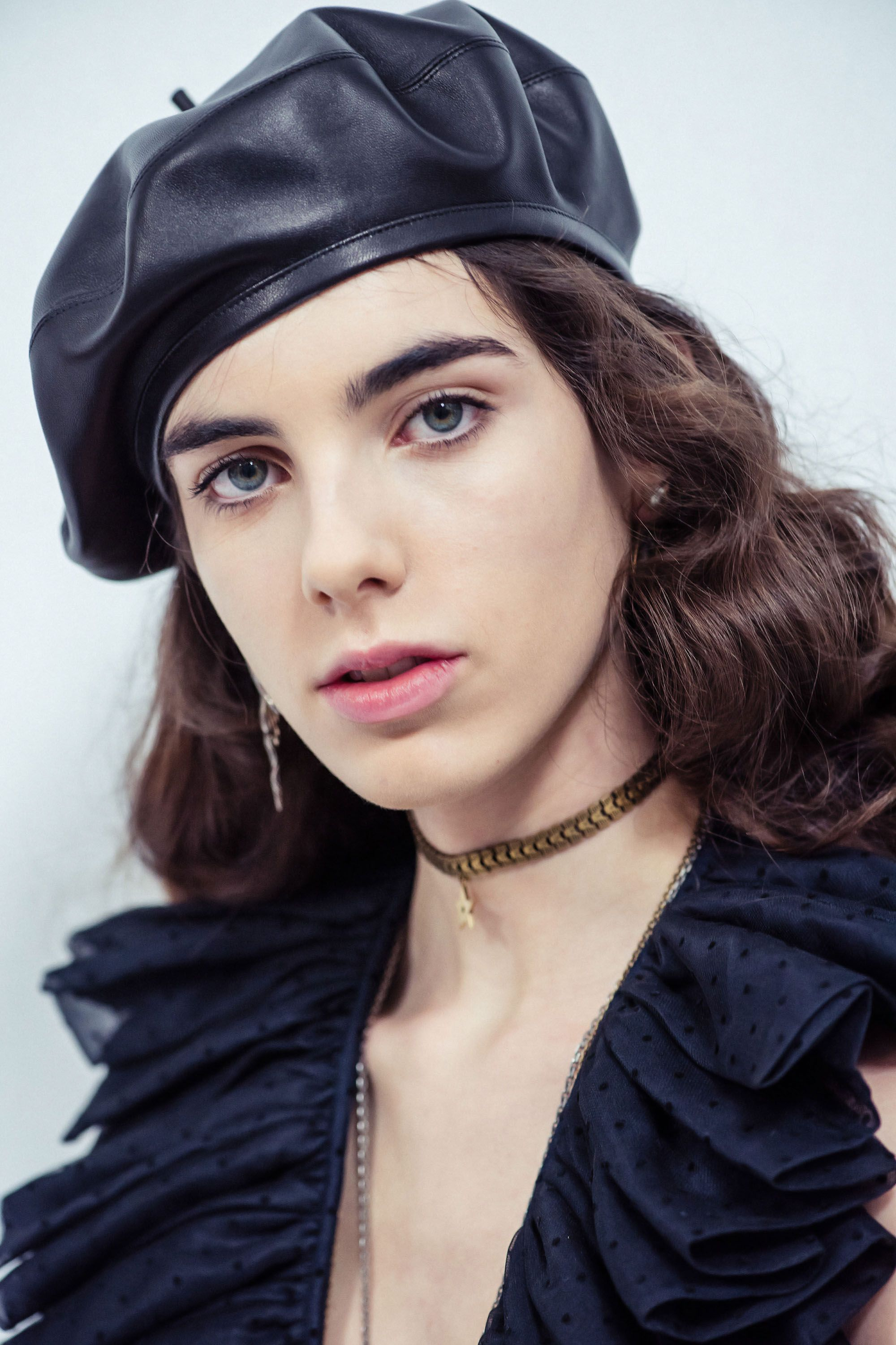 3e2b2475 dior leather beret | Accessories in 2019 | Fashion, Leather hats ...