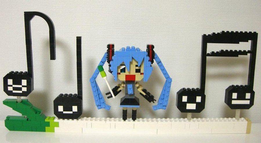 Lego Miku Hatsune by Maddieism.deviantart.com