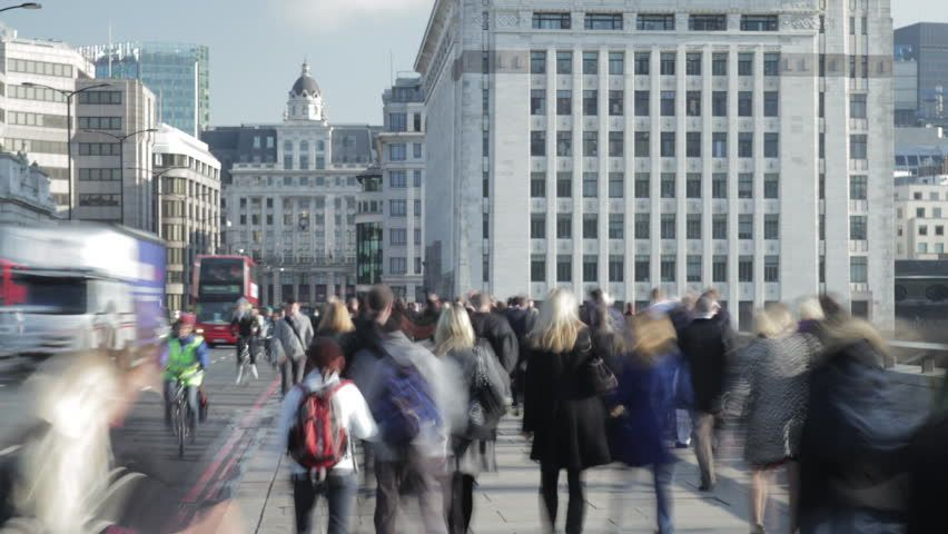 Ad Timelapse of rush hour commuters and traffic on London Bridge  Shutterstoc