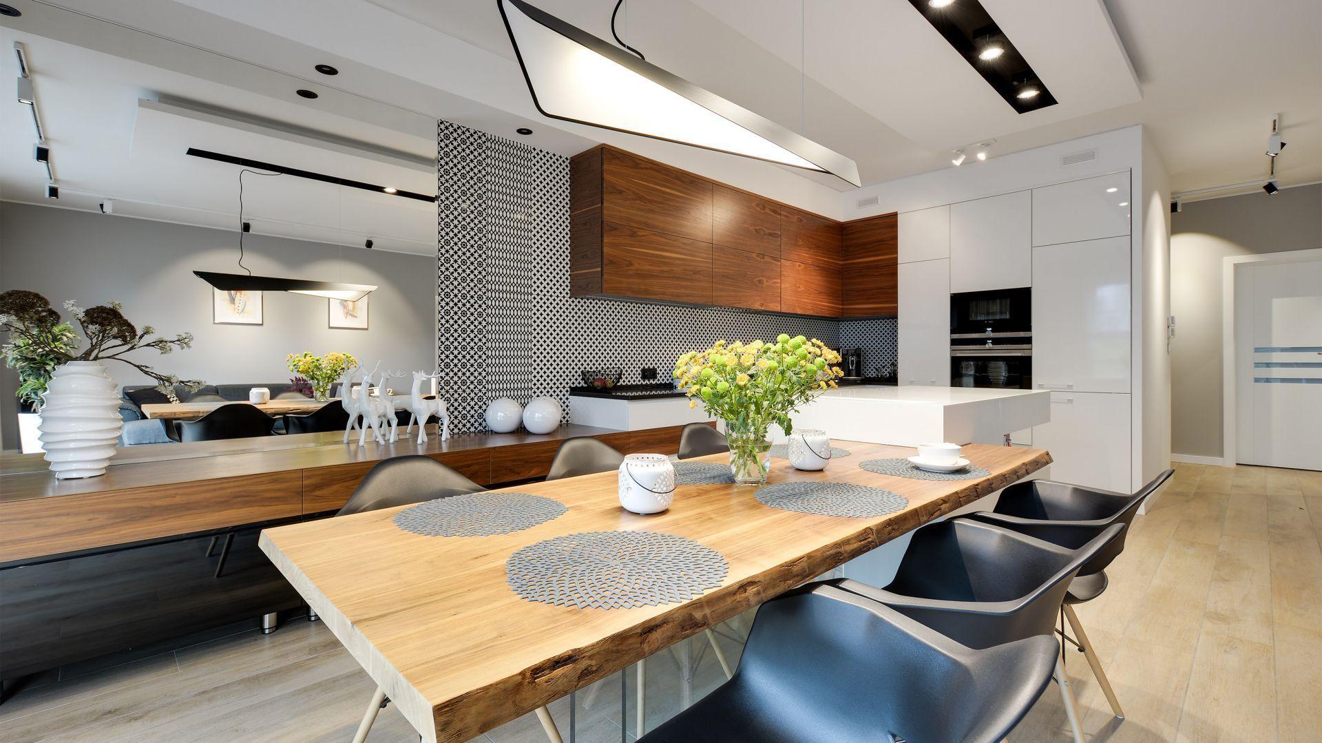 Kuchnia Z Jadalnia Projekt Malgorzata Mataniak Pakula Fot Radoslaw Sobik Dining Home Decor Furniture