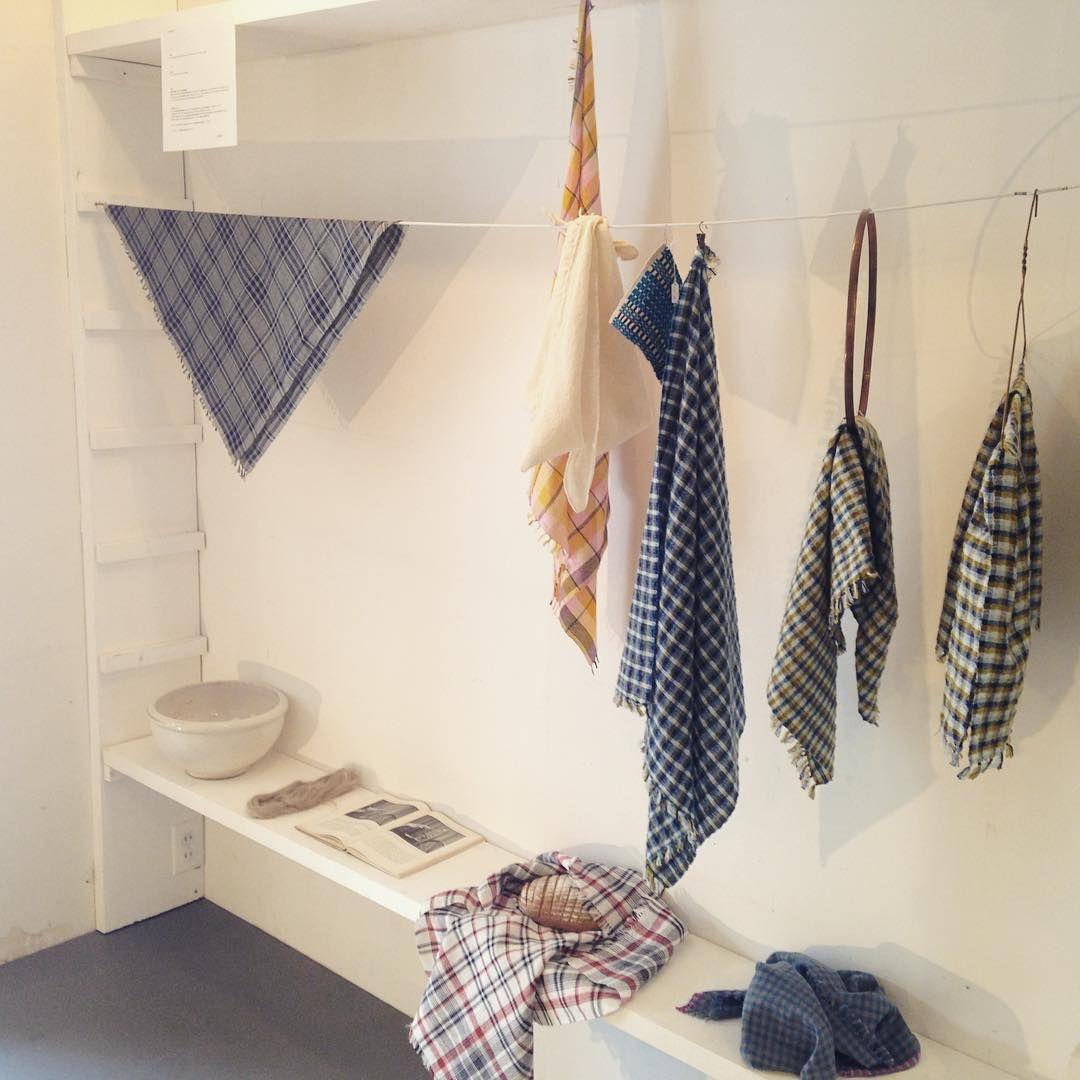 Utställning -Väv smådukar- at Kit!   展示会始まりました!早速たくさんの方においでいただき嬉しいです。  ありがとうございます😻  今日も19時までやっています。  お近くの方はぜひいらしてください🦊#大滝郁美 #vävning #weaving