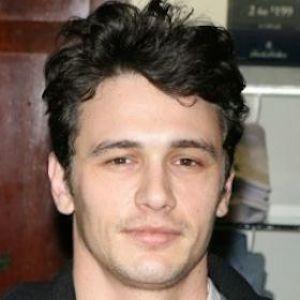James Franco Tells Howard Stern He Isn T Looking To Date Teenagers Denies Sleeping With Lindsay Lohan Dark Haired Men Grey Hair Curly Hair Men