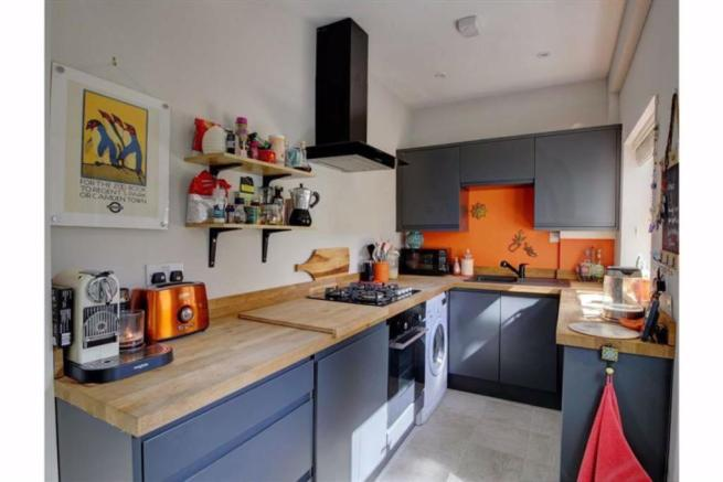 2 Bedroom End Of Terrace House To Rent In Dinnington Road Sheffield S8 S8 Modern Shower Room Renting A House Property For Rent