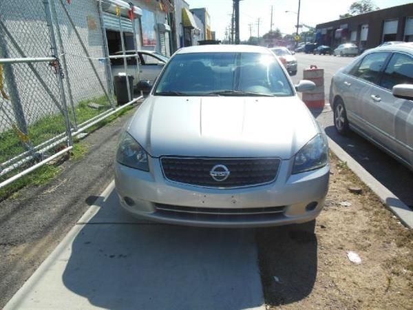 Make Nissan Model Altima Year 2006 Body Style Tractor Exterior