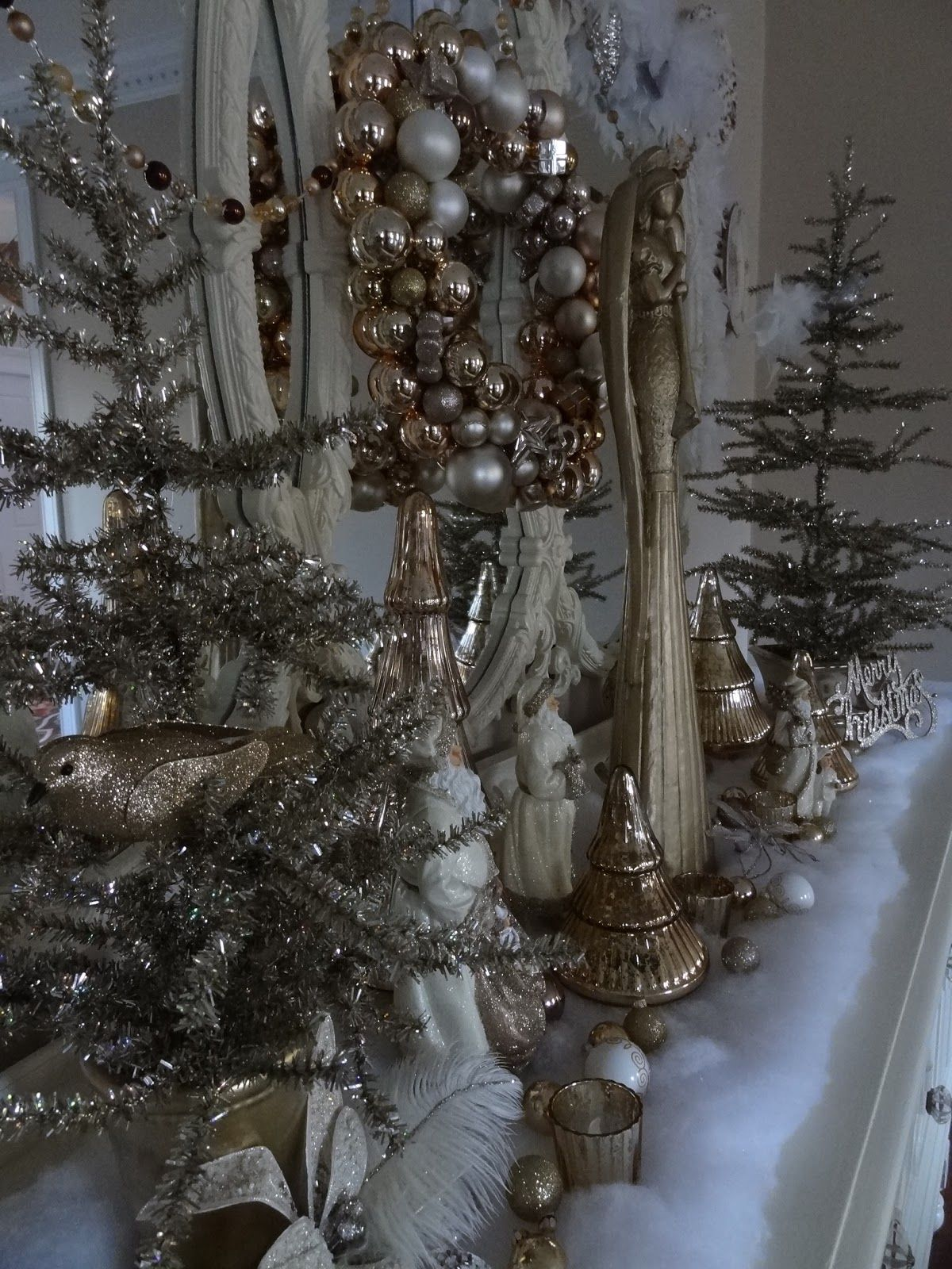 Gold and white christmas decor christmas decorating ideas
