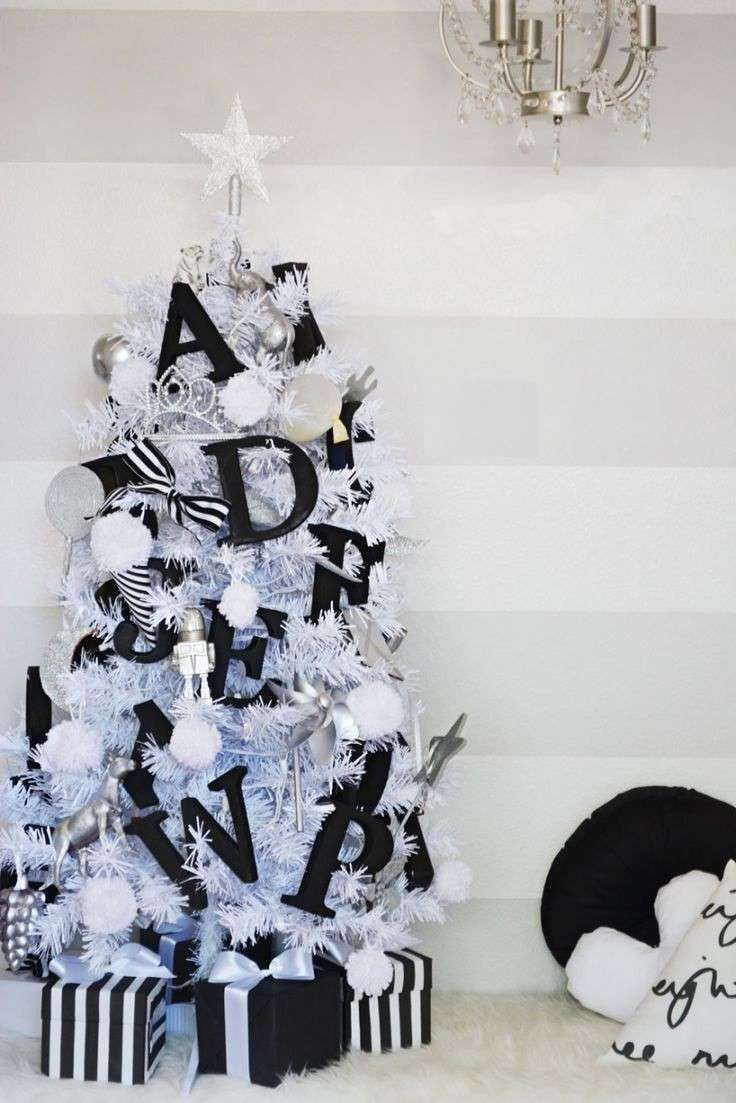 Albero Di Natale Bianco.Albero Di Natale Bianco E Nero Alberi Di Natale Neri Natale Nero Albero Di Natale Bianco