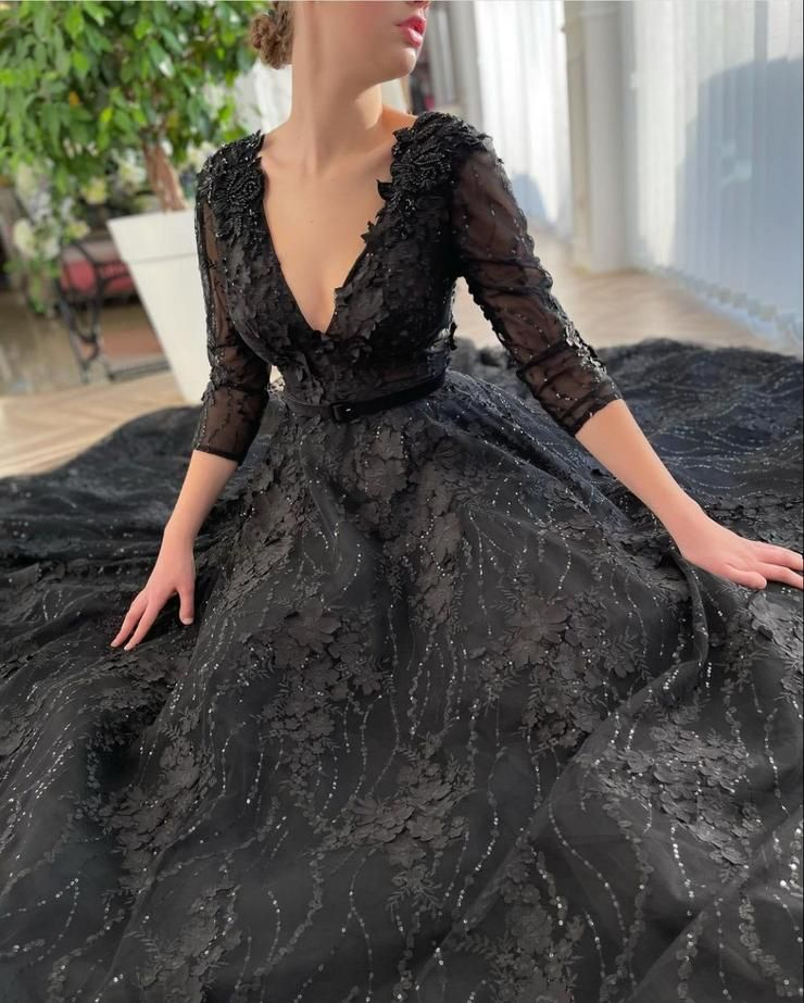 Hermione Blossoming Gown Details:-Designer laced f